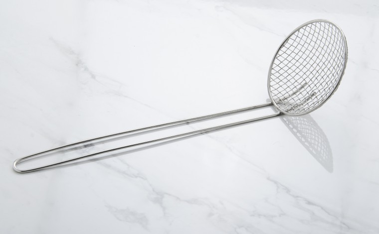 Ecumoire à friture diamètre 16 cm