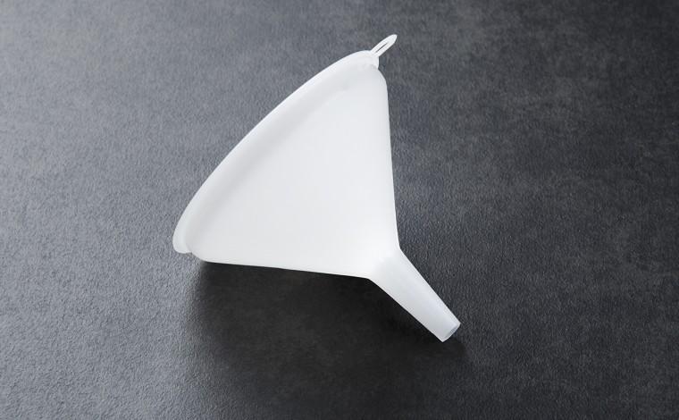 Entonnoir plastique 10 cm
