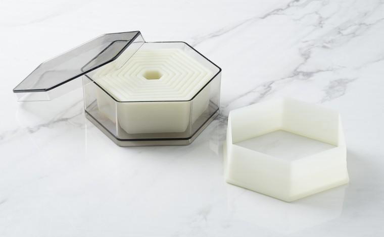 Box of 9 united hexagonal dcouples