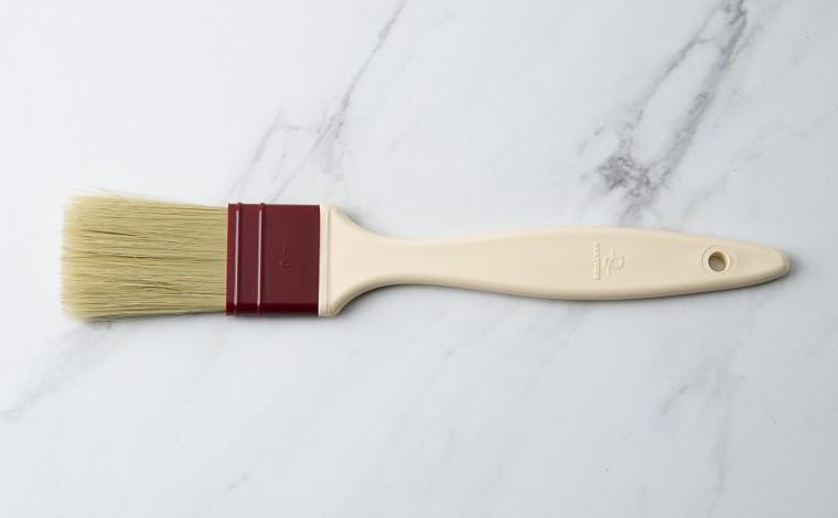 Flat brush natural silk hairs 4 cm