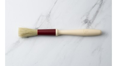 Round brush with natural silk hairs