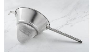 Chinois passe sauce avec toile métallique - Diamètre 25 cm