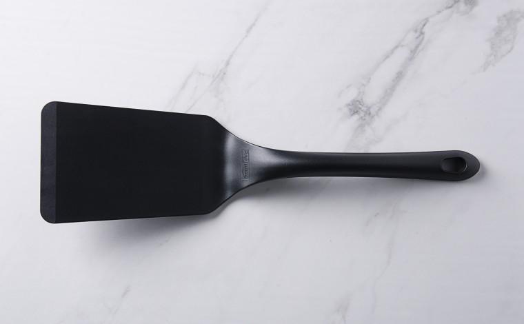 Exoglass bent spatula for non-stick