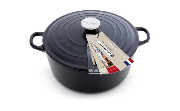 Cocotte round black cast iron 22 cm