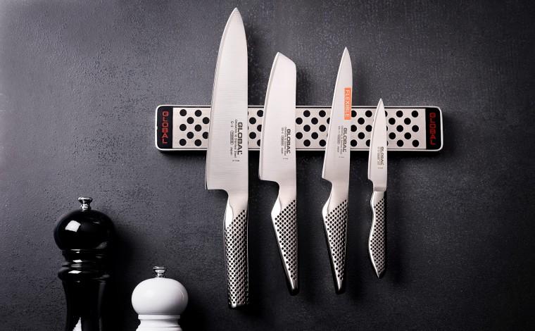 Set of 4 knives - magnetized bar