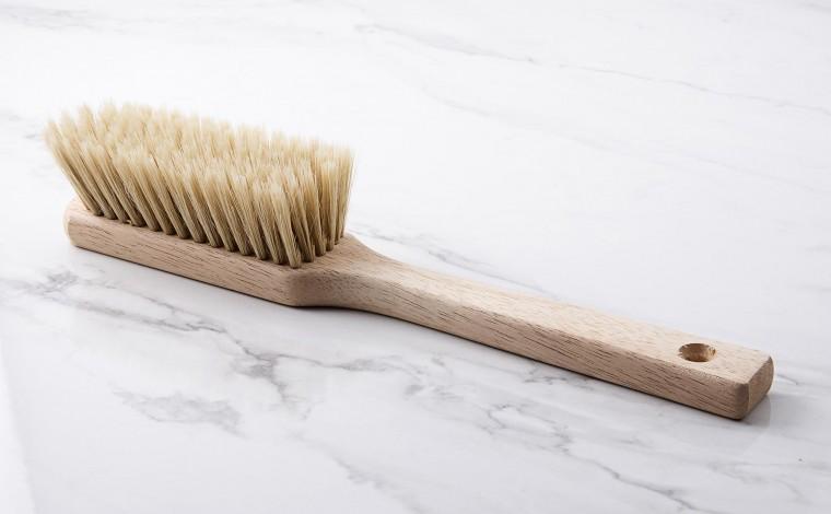 Flour brush
