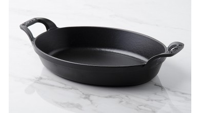 Stackable flat oval black cast iron 24 cm