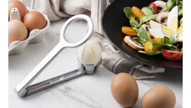 Cut eggs into quarters