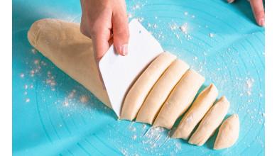 Coupe-pâte - spatule à gâteau